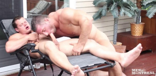 Muscle Males Bareback Outdoor