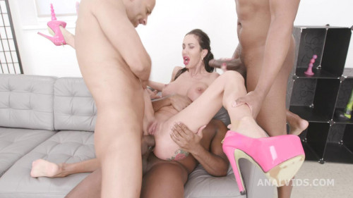 BlackPeeMatters, Laura Fiorentino VS 3 BBC For DAP HD 720p Interracial