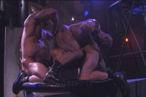 Raunch and muscle gangbang