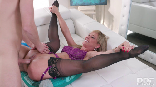 Cherie Deville - Squirting Milf Fucked Balls Deep Anal Sex