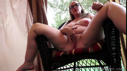 big ass mature slut fucked hard in the back office