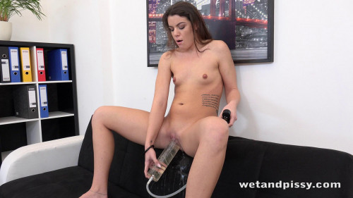 Office Piss Play Peeing