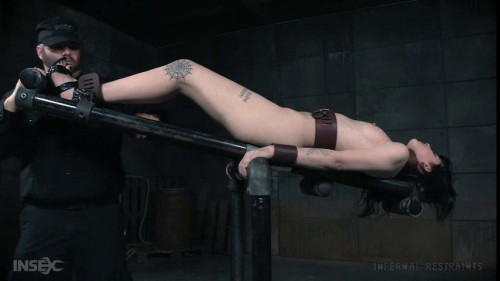 Charlotte Sartre - 2 videos BDSM