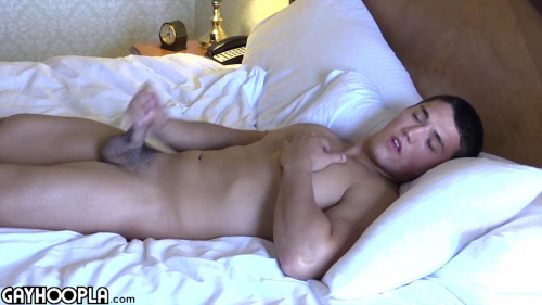 Bobby Effy's Hot Jerk off Gay Solo