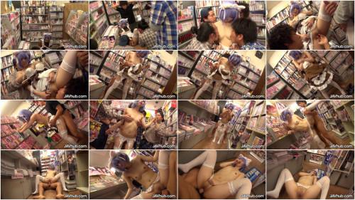 Cute Idol Miku Oguri Blowbang In A Porn Shop