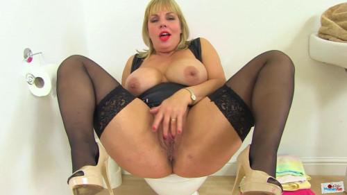 Big boob milf whore daniela masturbates