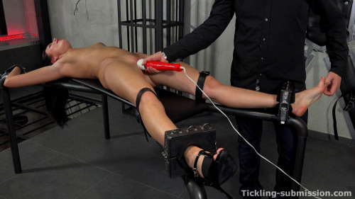 Foot Fetish and BDSM part 1 [2016,BDSM,OrgasmAbuse,Jessi Young,Tickling,Suffering,Foot Fetish]