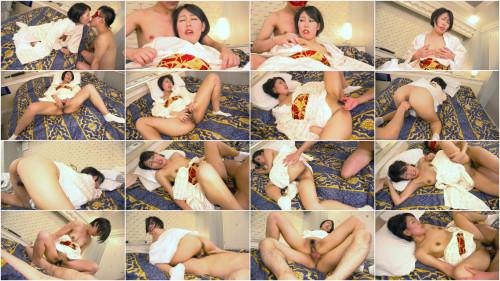 Asian Babe with haiiry Pussy!