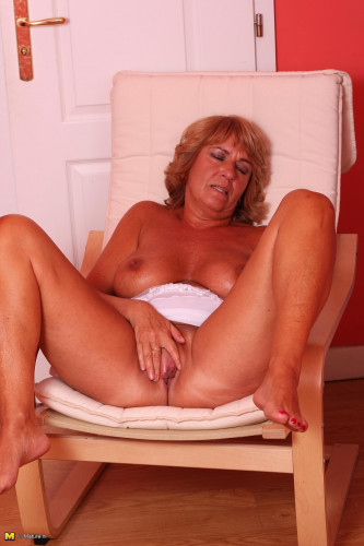 Mature and Milf Photo Mega Sets!! [Porn photo]