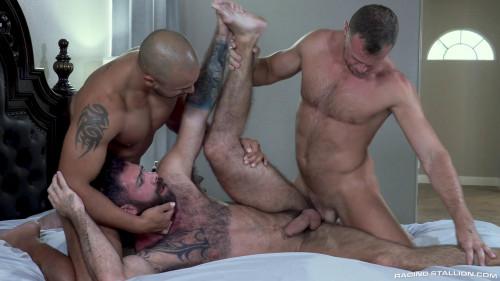 RS - Loaded Give It To Me Raw! - Wade Wolfgar, Jake Nicola & Julian Grey (1080p)