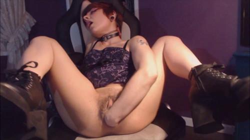 Tipsy Slut Fists Her Loose Gaping Pussy – VixenxMoon – Full HD 1080p