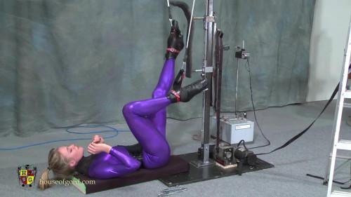 Quinn - Inverted Fucking Machine Prototype [BDSM Latex]