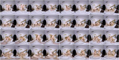 Daria Glower & Carol Gold - No Mans Hand - Voyeur Perspective