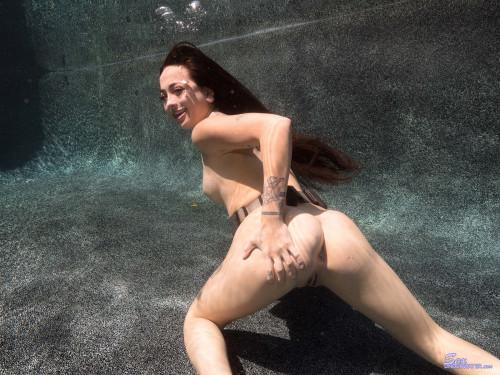 Sex Under Water Fetish Photo Set ! [Porn photo]