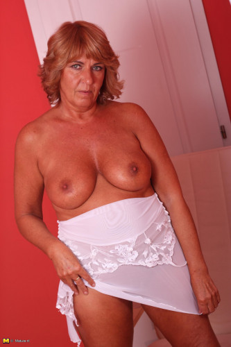 Solo and Hardcore  Mature and Milf Pics Collection !! [Porn photo]