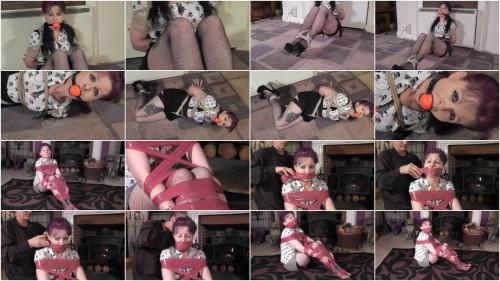 Helena Loves Kinky Games