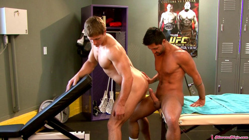 Twinks and sex part 1 [2011,Gays,MarcusMojo,Threesome,Muscle,Brunette]