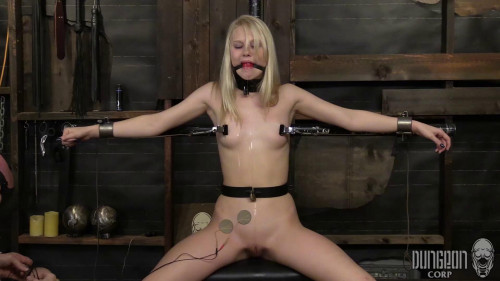 Blonde and Submissive [2016,BDSM Latex,DungeonCorp,Lily Rader,Humiliation,Natural Tits,BDSM]
