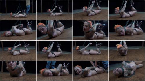 Quinn Carter: Loving her hog tie