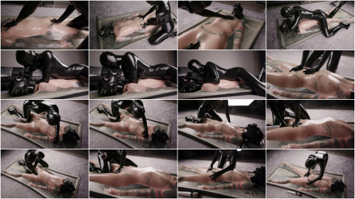 Super tying and soreness for sexy angels in latex part 1