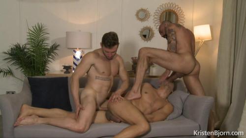 Jonathan Miranda, Marcos Oliveira and Gianni (720p,1080p) [Gays,Jonathan Miranda,Threeways,Anal Sex,Double Penetrations]