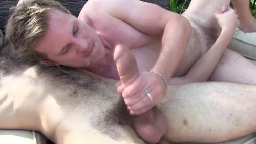 DR - Dallas Barebacking Maxx Fitch at his Garden