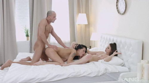 Getting Three D [Threesome,Video Art Holland,Anita,Anal,Threesome,Double Penetration]