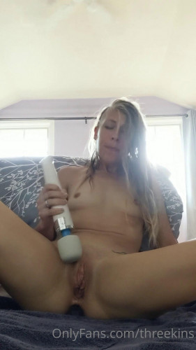 Pussy Slave [Femdom and Strapon]