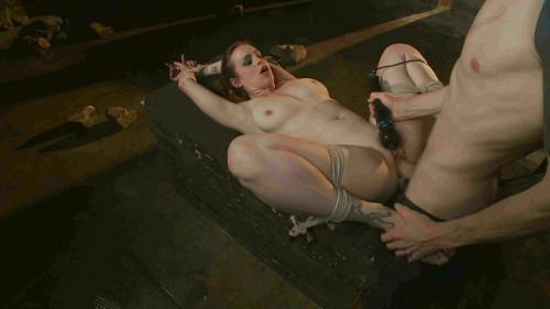 Trapped Slave - Bella Rossi, Owen Gray