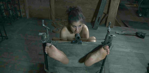 Physical and verbal treatments for sexy slave