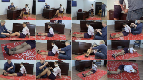 Anna Lee - Pantyhose Saleswoman Field Tests Her Product