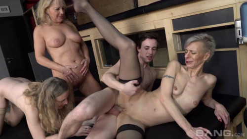 Mature Club Adventures [Full-length films,Grand Momz,Belinda Bee,Creampie,Foursome,Big Boobs]