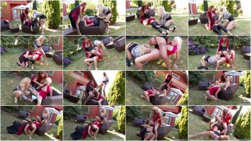 Nicole Vice, Vanessa and Victoria Puppy Lesbian Pissing Threesome (2015)