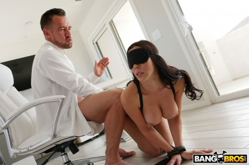 Rachel Starr Gets Railed by Her Boss