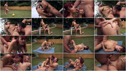 Nude Soccer (1080p)