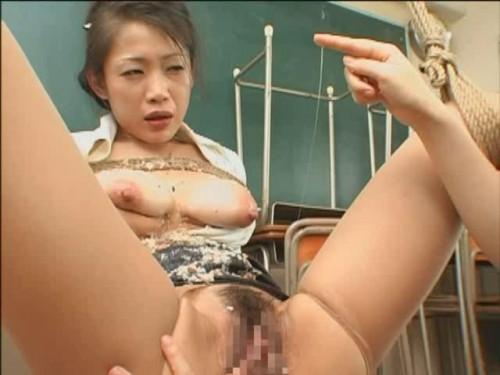 Chihiro Hasegawa & Maki Tomoda - Lez Fist Drug