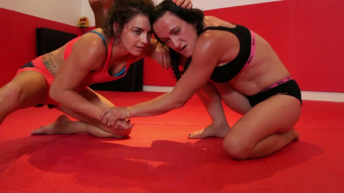 Trouble Vs Athena – Submission Wrestling