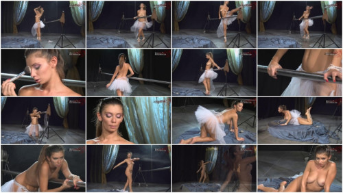 Nude Ballet - Sabrina