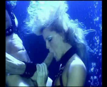 Hump Underwater 5