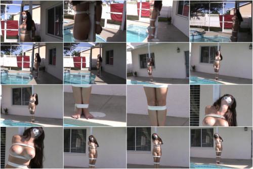 Slyyy pool-side tying