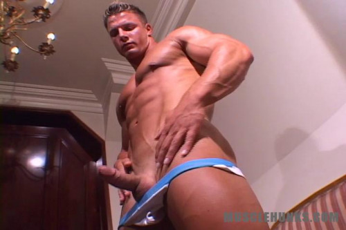 MuscleHunks – Christian Engel – Heavenly Hunk