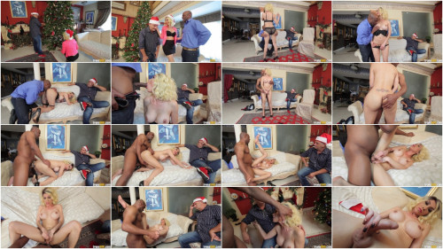 Sunday Valentina - A Cuckold Christmas(Dec 2014)