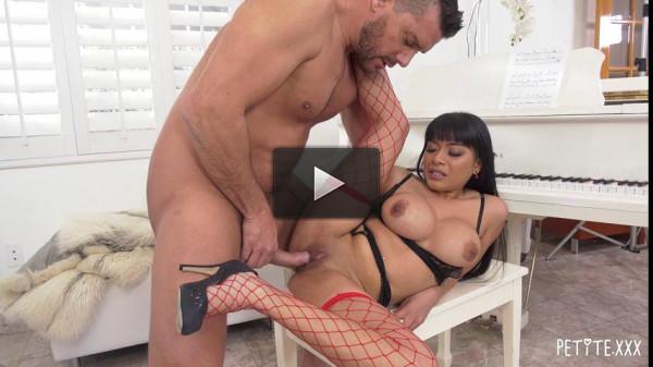 Latina Aryana Amatista Gets Her Petite Pussy Stuffed