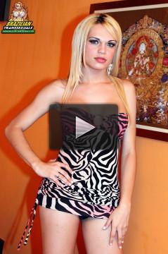 Beautiful Blonde Alice Rodrigues!