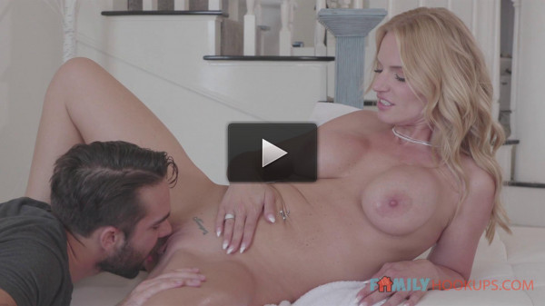 Rachael Cavalli — Gets a massage and some deep fucking (2020)