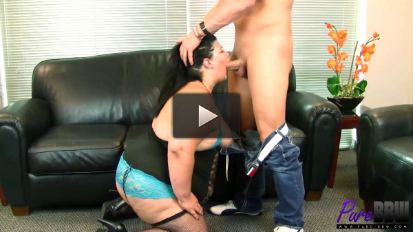 Juicy Jazmynne knows what she wants....the cock, Enjoy!