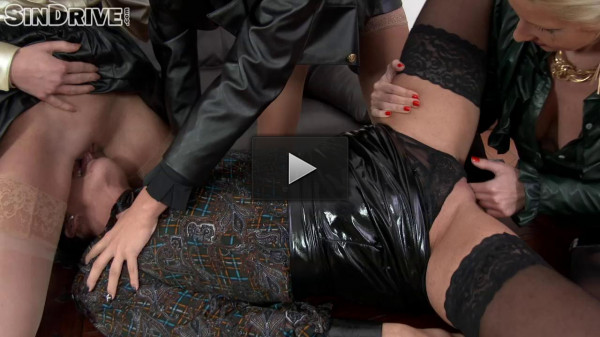 Going Hard With Power - golden, pissing, drip, eurobabe