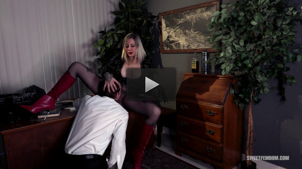 Hot Secretary: Using Her Boss's Tongue 1080p