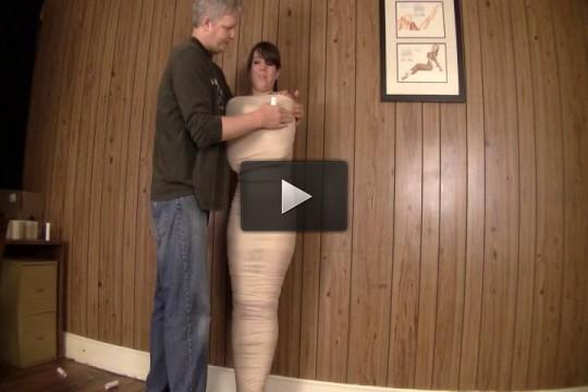 slave video english (Mummification Lovers).