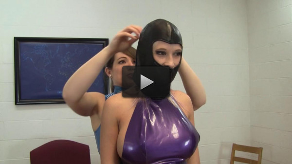 Holly Wood And Elizabeth Andrews - DayDreaming About Latex Playtime!
